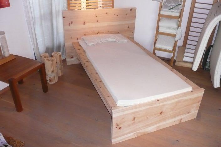 individuelles Bett Zirbe massiv, Einzelbett / Schreinerbett