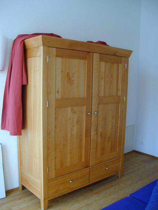 Schrank, Kirschbaum Holz